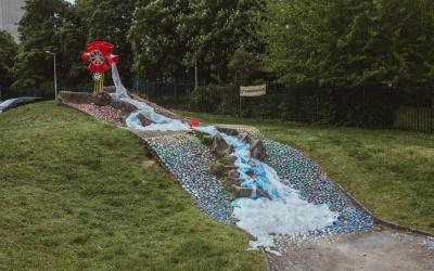 Une cascade de plastique à Vénissieux !